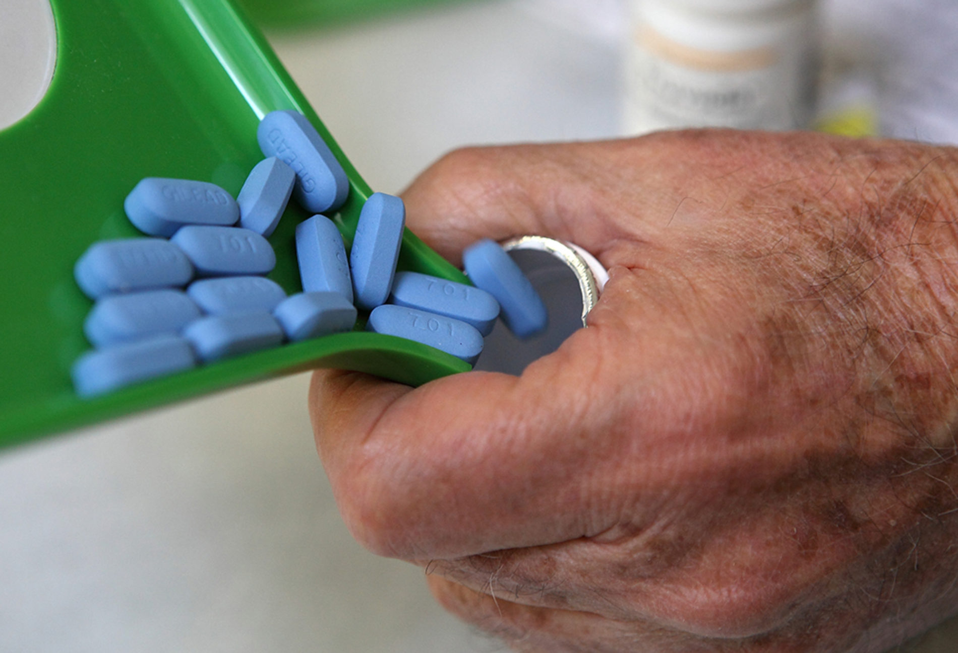 Citing 'exploding' HIV epidemic, WHO says all gay men should take antitretroviral drugs