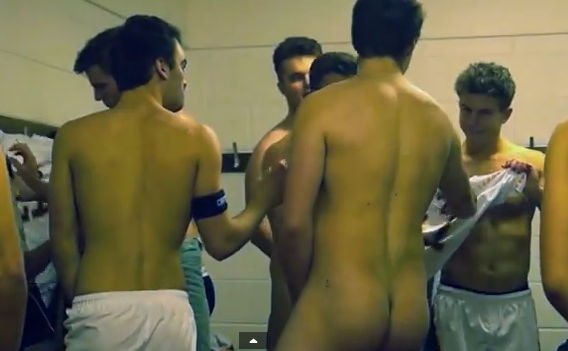 Hockey team undress 2