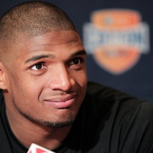 'Michael Sam does not speak for all gay men.' – says Bisexual NFL Player