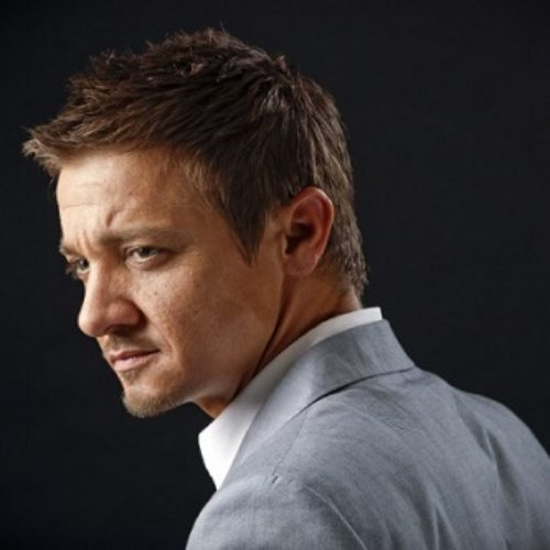 Actor Jeremy Renner Doesn't Care If You Think He's Gay