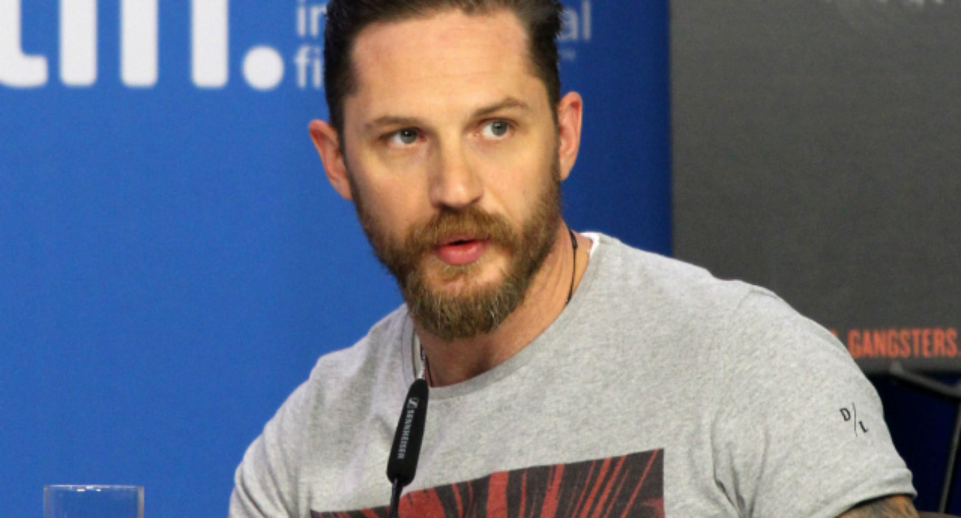 LGBT website defends the questioning Tom Hardy's sexuality