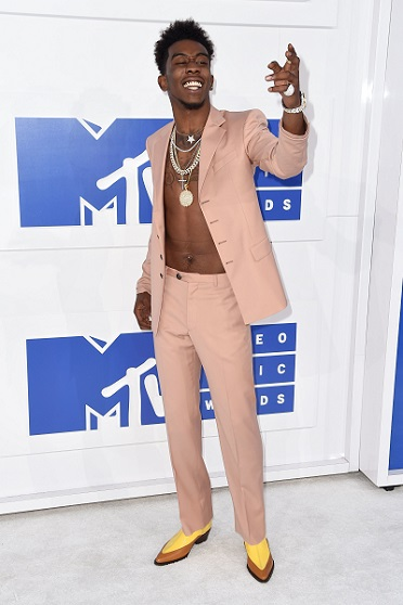 mtv-vmas-red-carpet-4