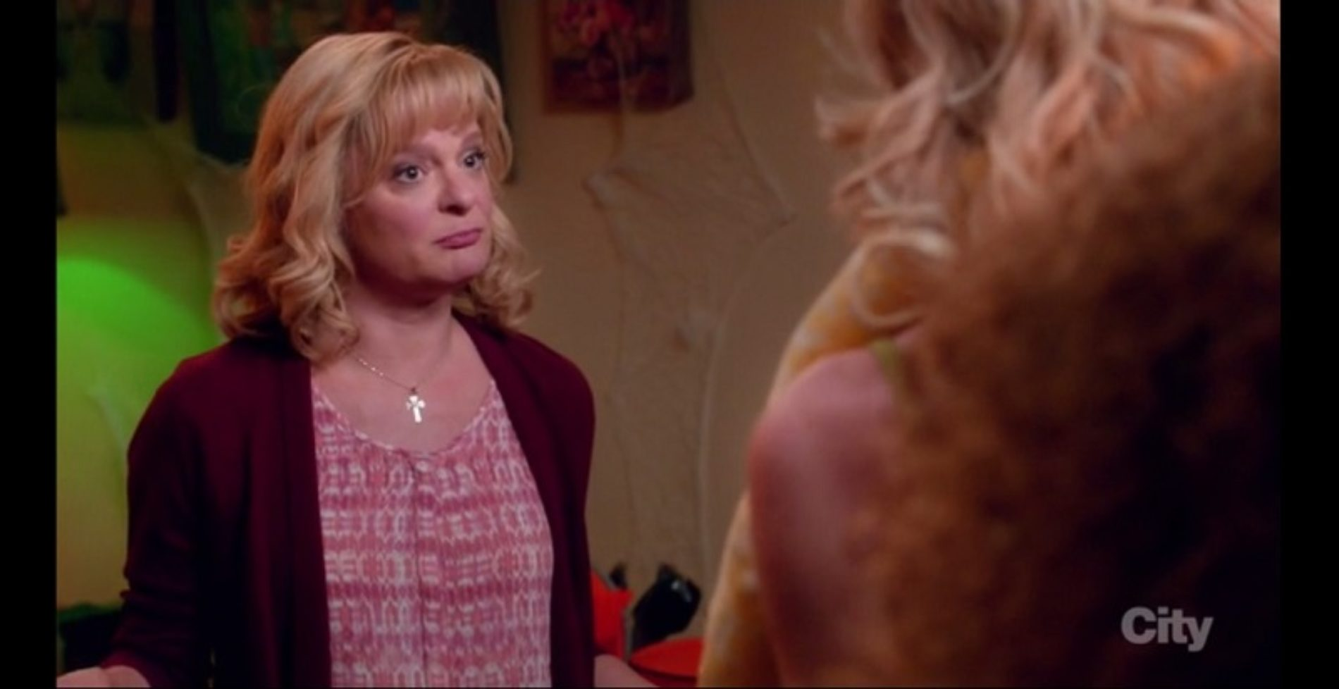 Martha Plimpton Masters the Art of Throwing Shade in 'The Real O'Neals' Clip