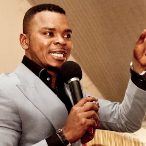 Ghanaian anti-gay preacher claims he is able to increase the size of a man's penis with 'massage ritual'