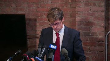 170221161628-milo-yiannopolous-apologizes-for-sex-abuse-comments-00000000-780x439