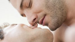 o-GAY-MEN-KISSING-facebook-670x335