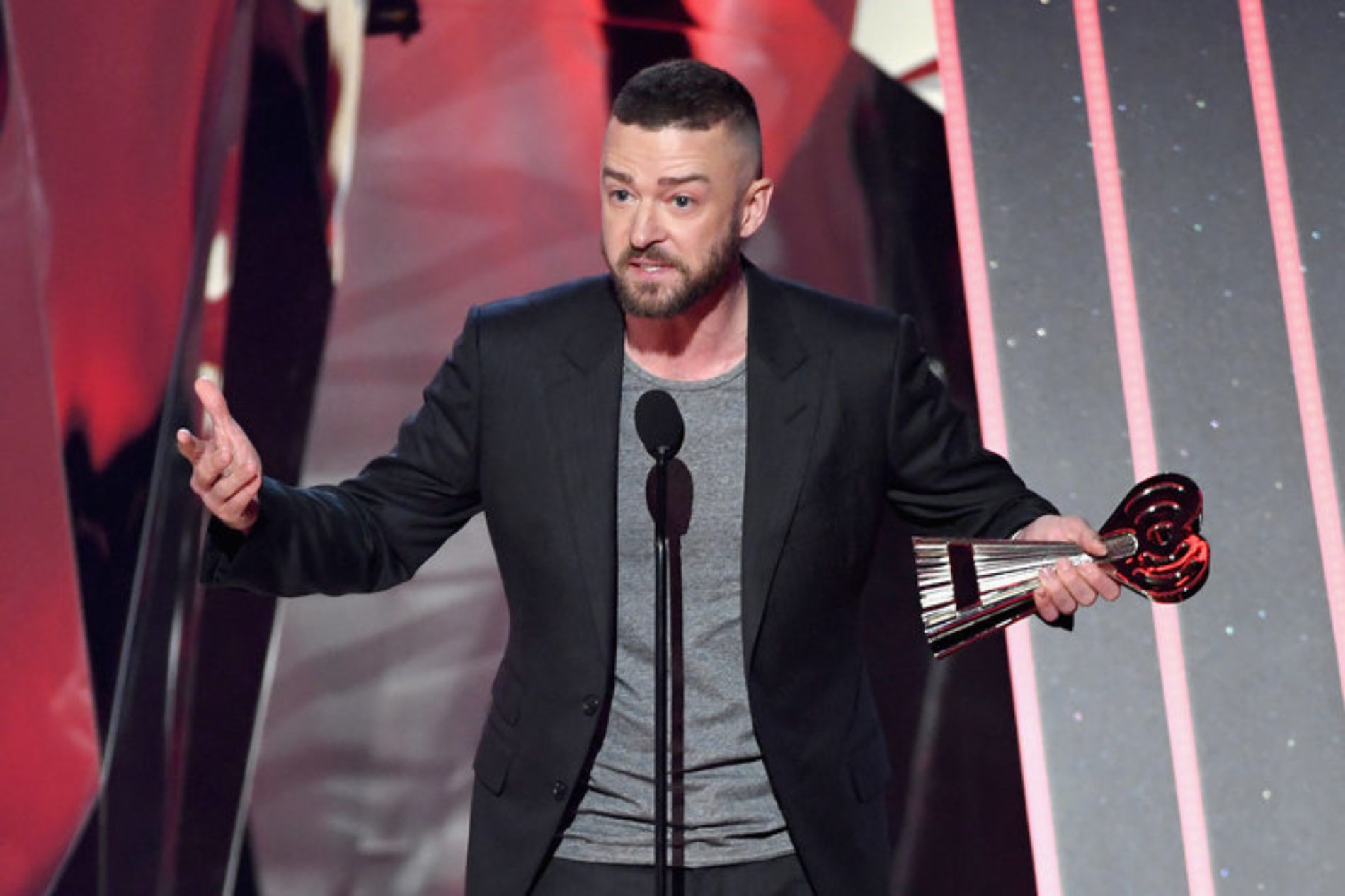 Justin Timberlake expresses support for LGBTQ youth during amazing acceptance speech