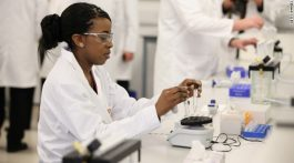 female-laboratory-scientist-story-top_schoolsofthough.blogs_.cnn_.com_