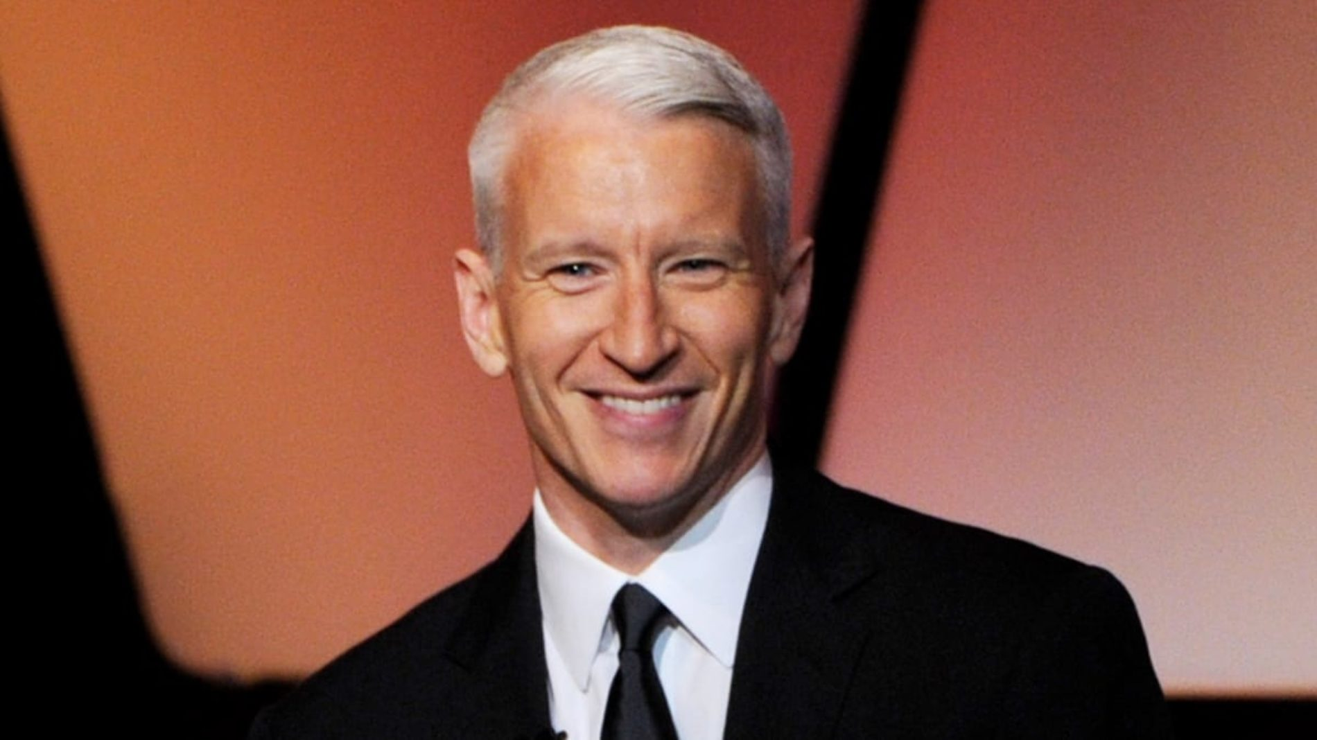 Anderson Cooper is newly single after splitting from longtime boyfriend