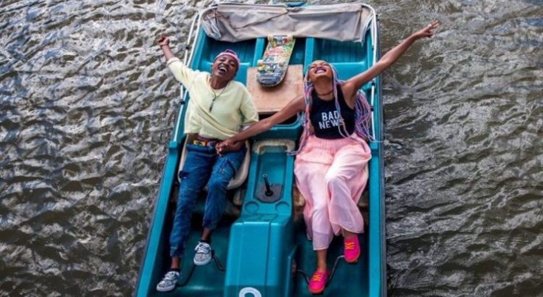'Rafiki' gets sold out after Kenya lifts ban on Oscar-considered film