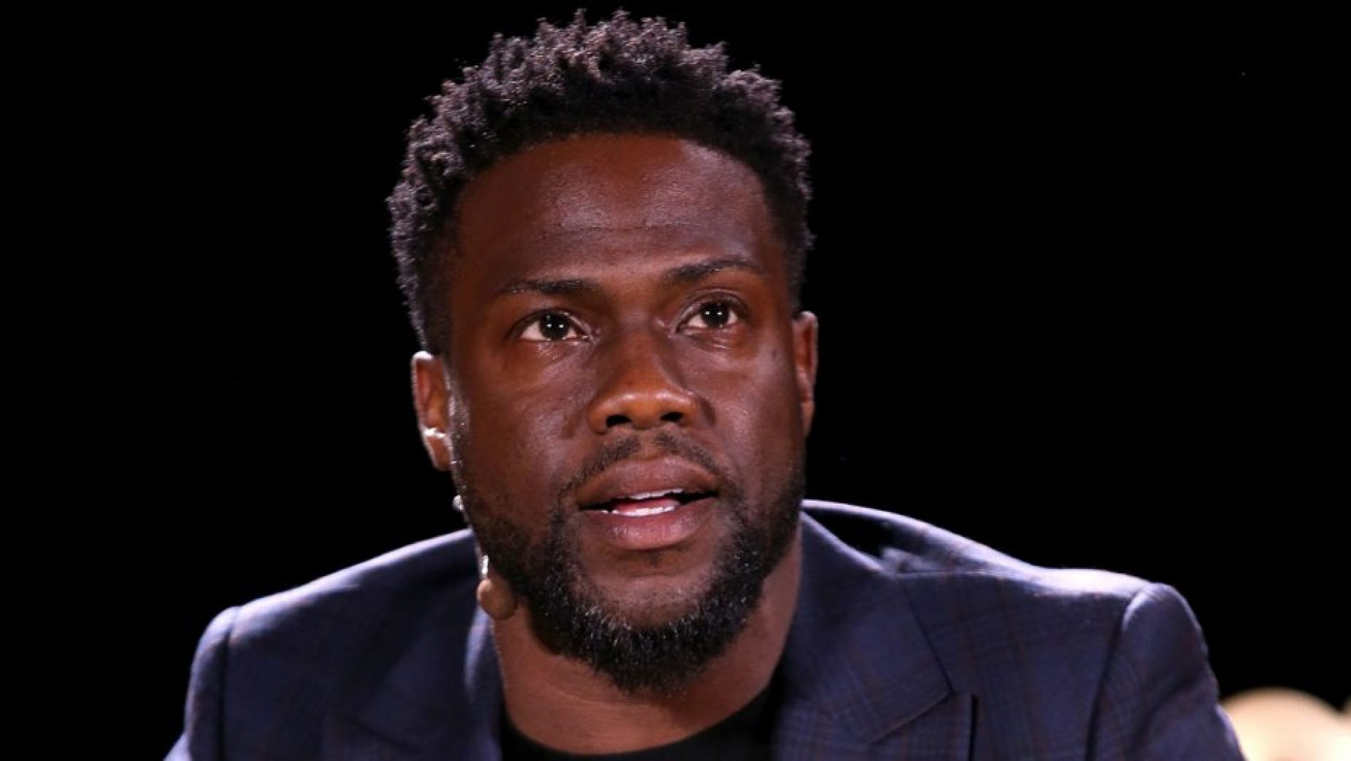 """I Don't Have A Homophobic Bone In My Body."" Kevin Hart Ponders Homophobic Tweets And Apologizes Again to LGBTQ Community"