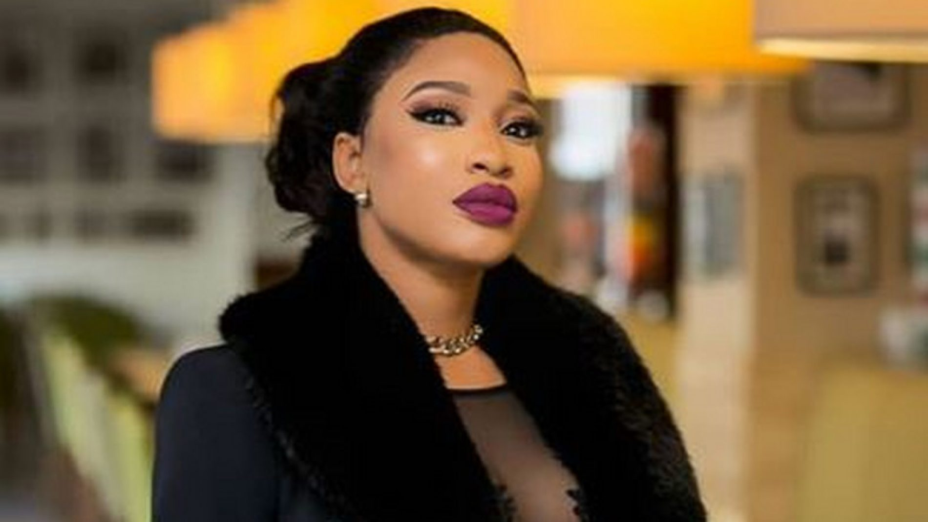 Tonto Dikeh is in love, is angry and is threatening the gays. And vlogger Joyce Boakye claims to know why