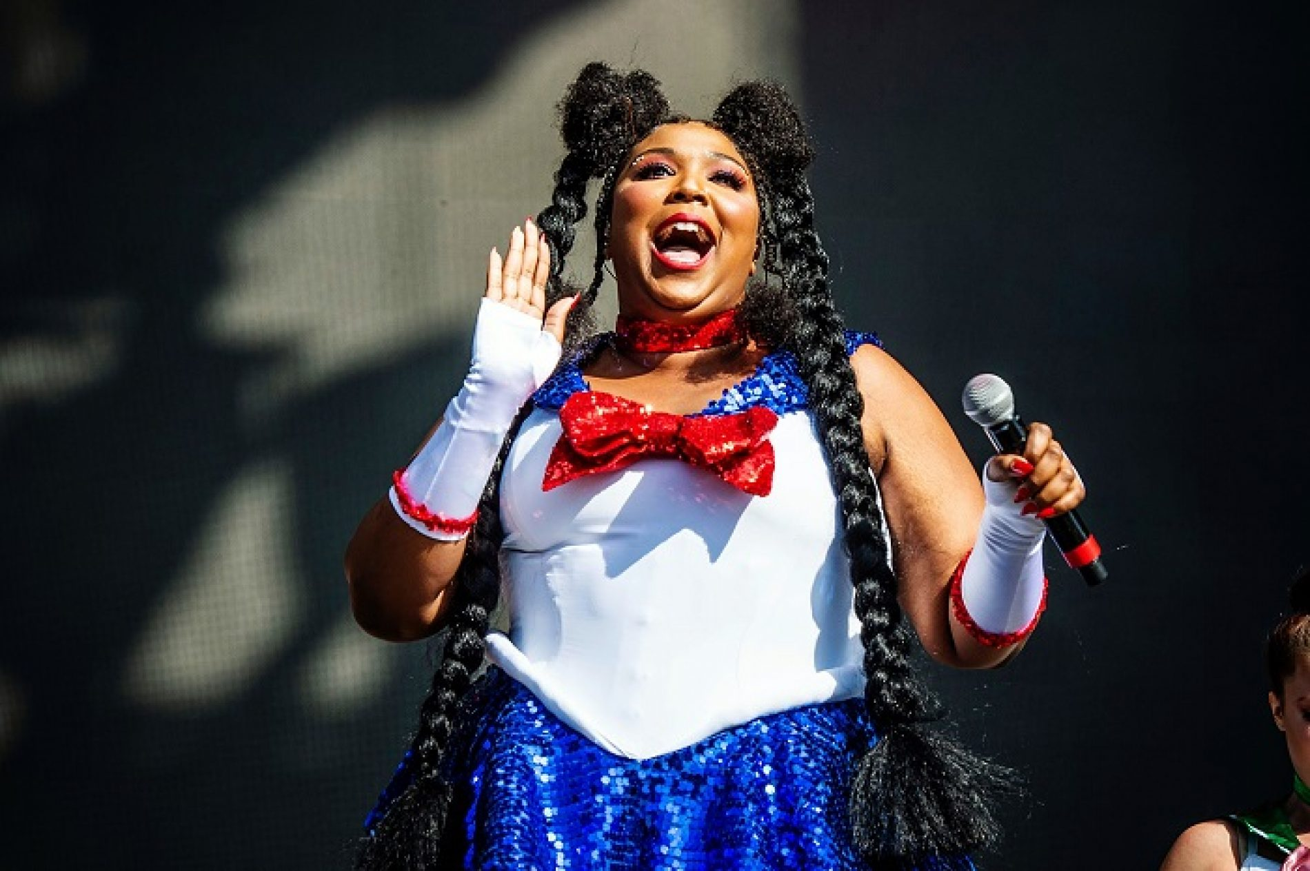 "Lizzo Dubs Her Superfans ""Lizzbians"" And Gay Twitter Approves"