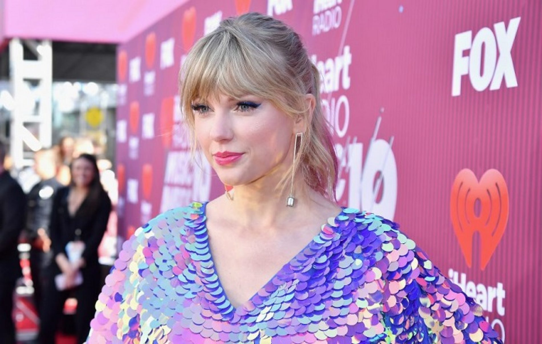 """""""If My Son Was Gay, He'd Be Gay."""" Taylor Swift talks about her support for the LGBT community"""