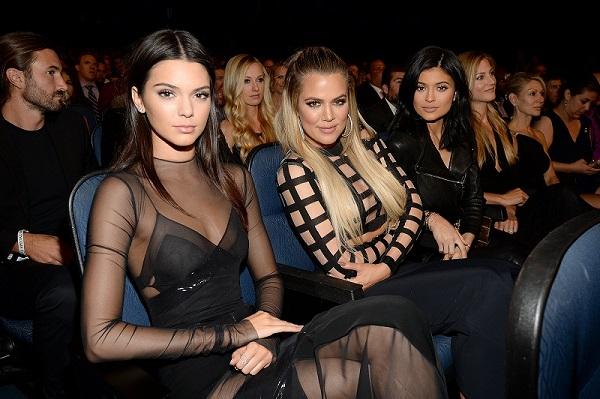 85fd5cd0-2b6a-11e5-ba4c-e79853c60b48_Kendall-Jenner-Khloe-Kardashian-Kylie-Jenne