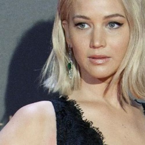 Jennifer Lawrence describes herself as a 'slutty power lesbian'