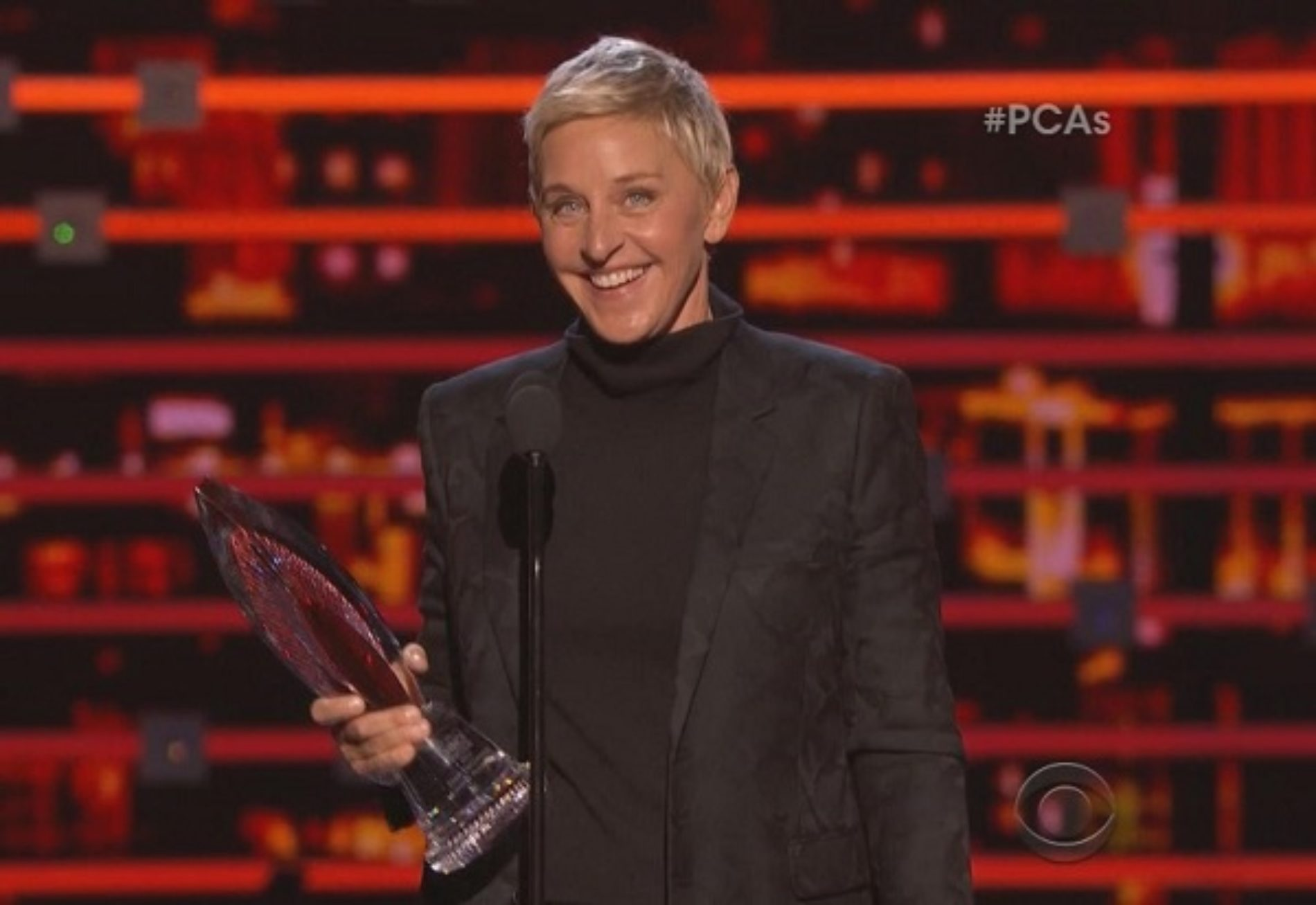 'Deep Down We All Love One Another.' Ellen DeGeneres Accepts the People's Choice Humanitarian Award With Hilarious, Moving Speech