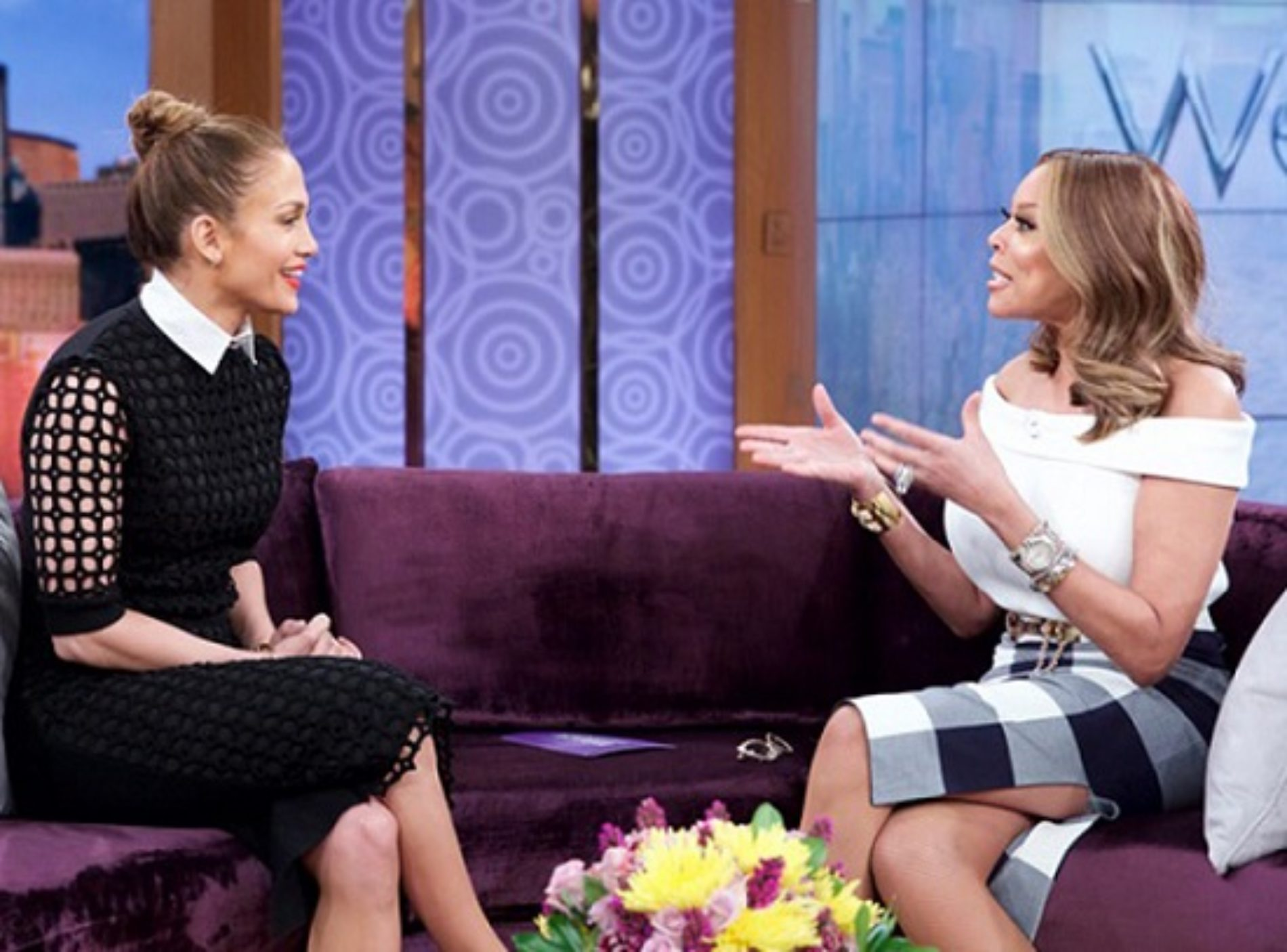 "Jennifer Lopez Finally Addresses Mariah Carey's Iconic ""I Don't Know Her"" Comment"