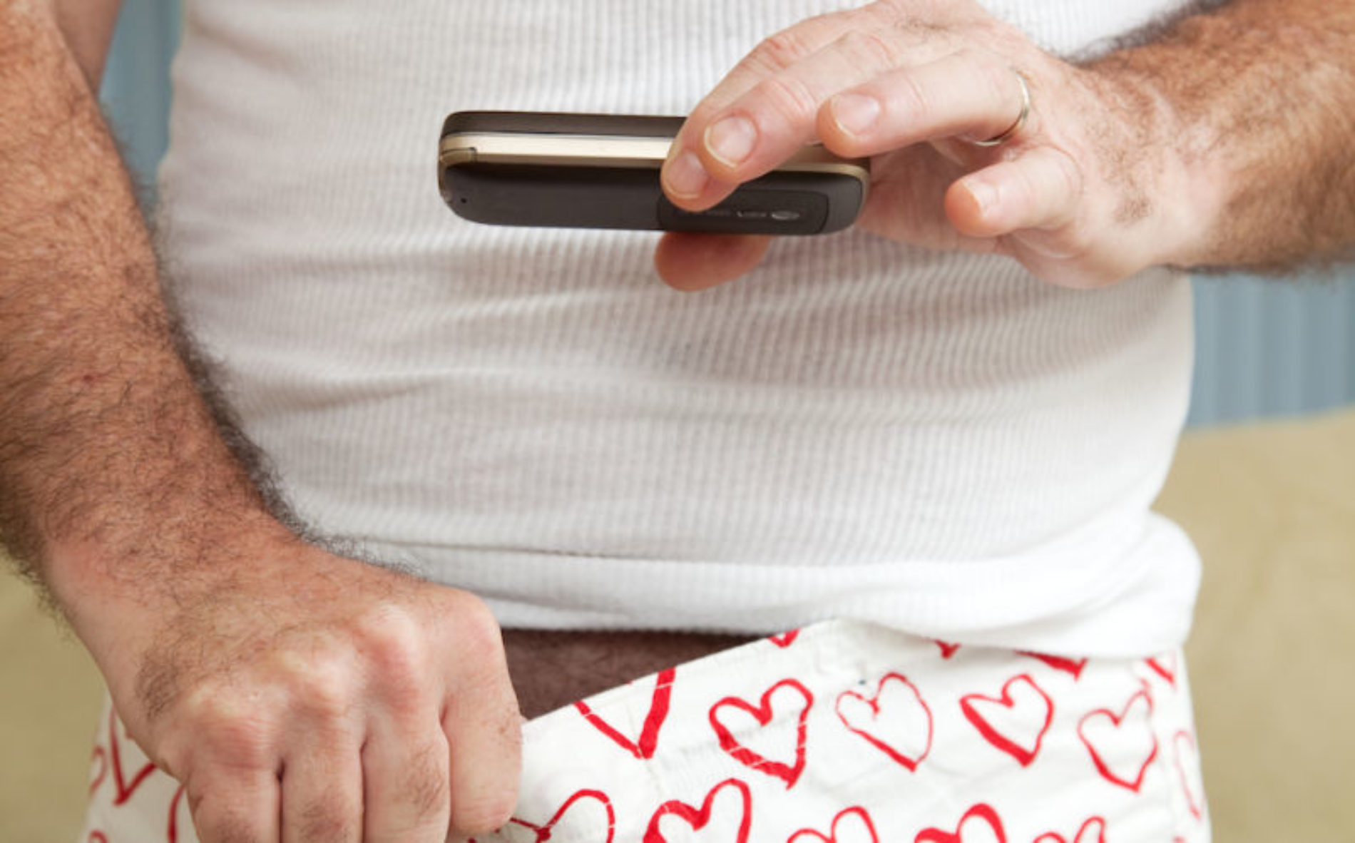 Men reveal why they send dick pics on dating apps