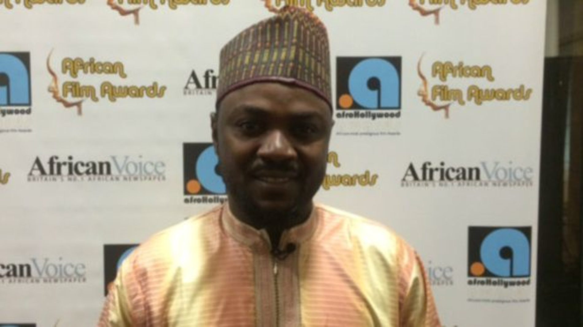 """""""We are not gay!"""" Adam Zango and other Kannywood actors swear with the Quran"""