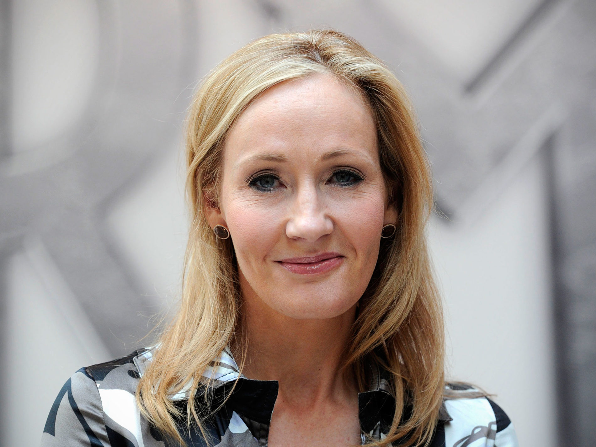 JK Rowling yet again proves she is the Queen ofTwitter