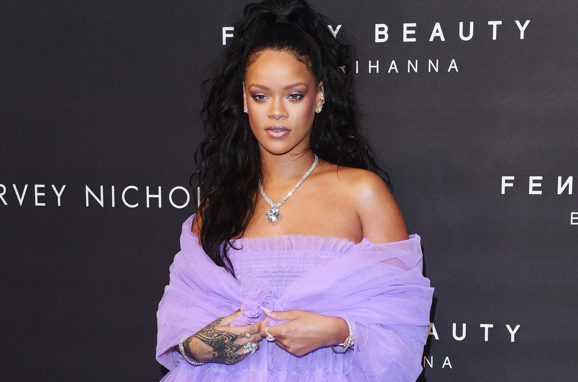 Rihanna's Fenty Beauty Named a Best Invention of 2017
