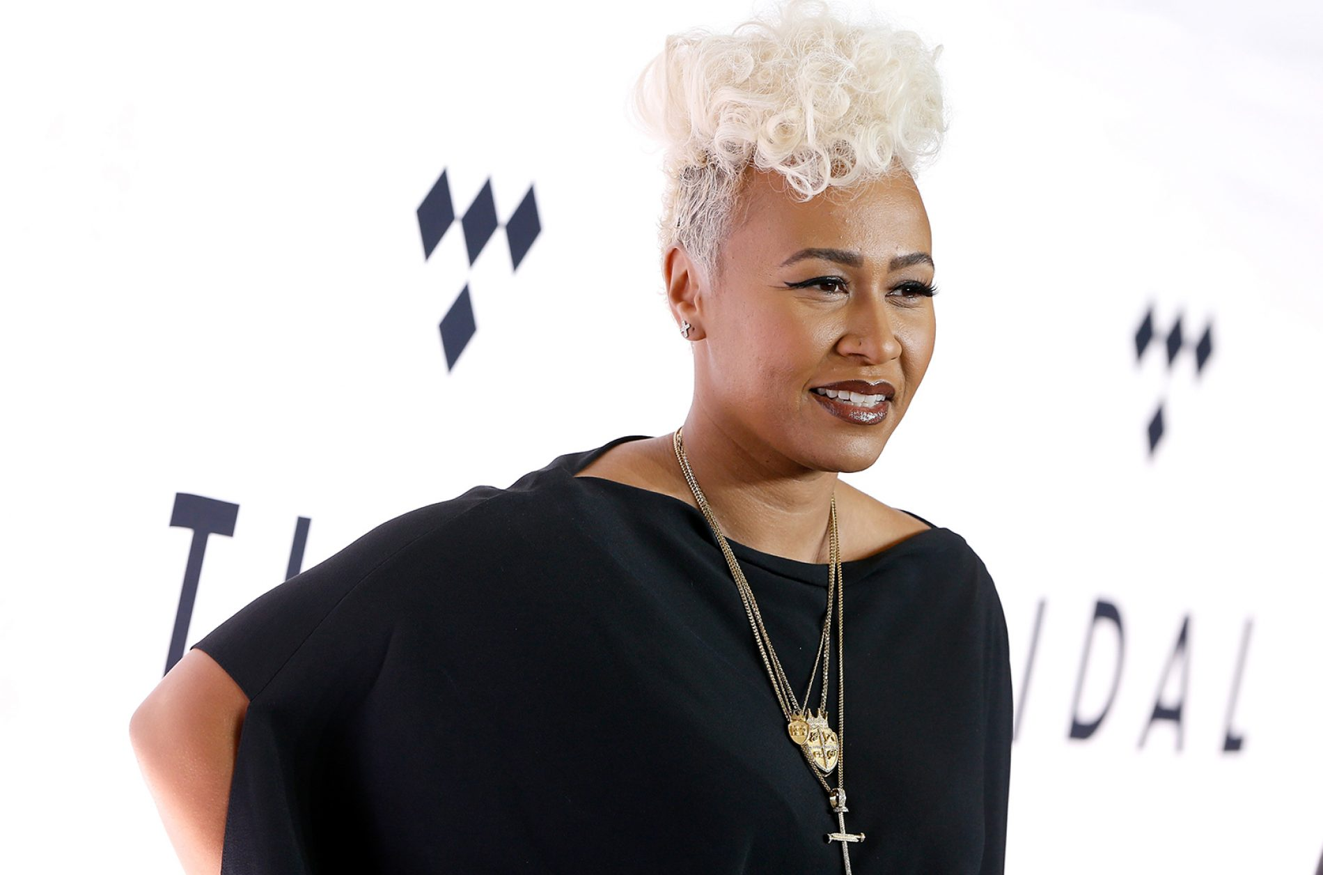 Emeli Sande urges Commonwealth leaders to see LGBT+ people 'as human beings' and overturn anti-gay laws