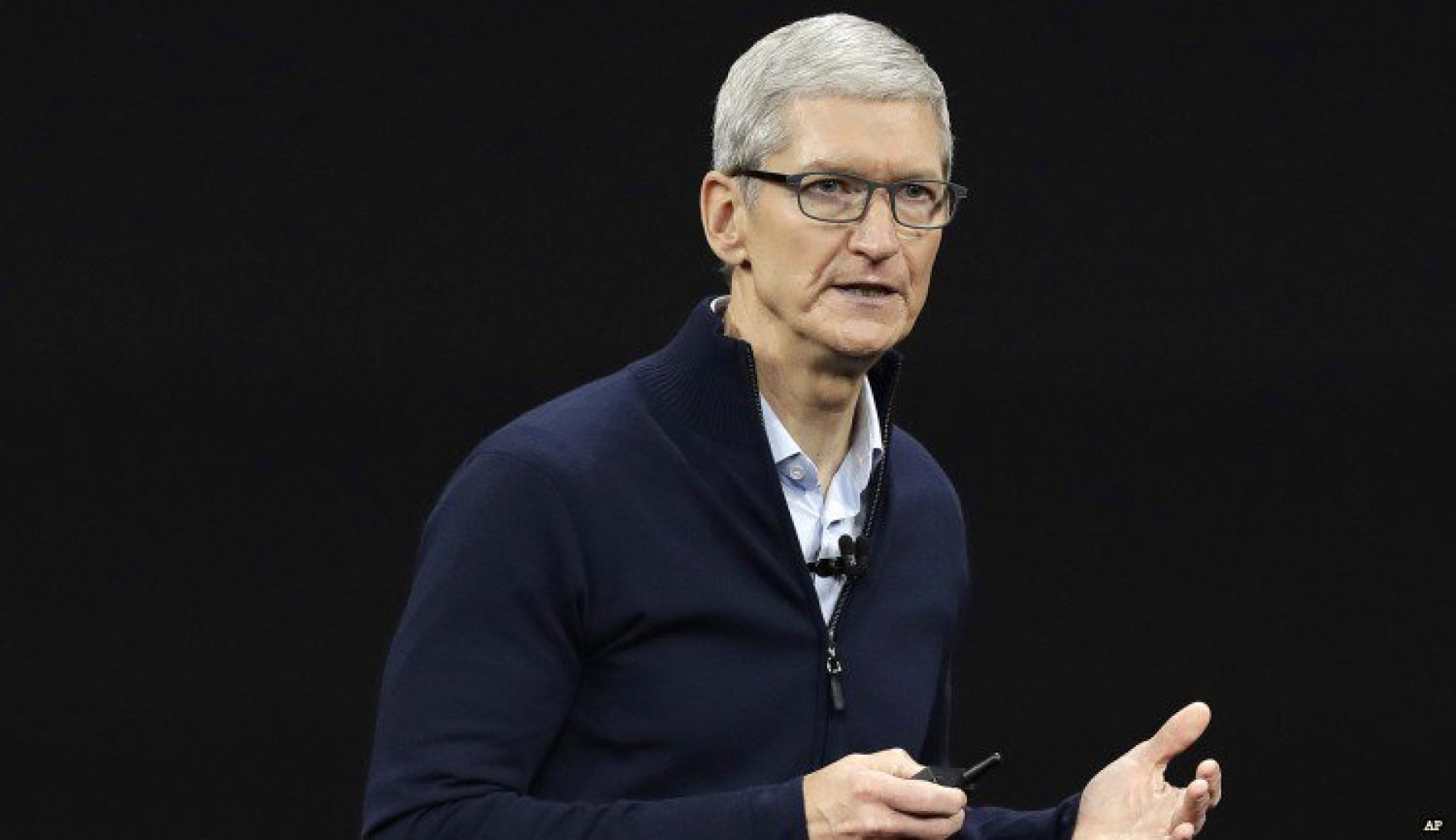 """""""You Are a Gift to the World."""" Tim Cook to LGBT Youth"""