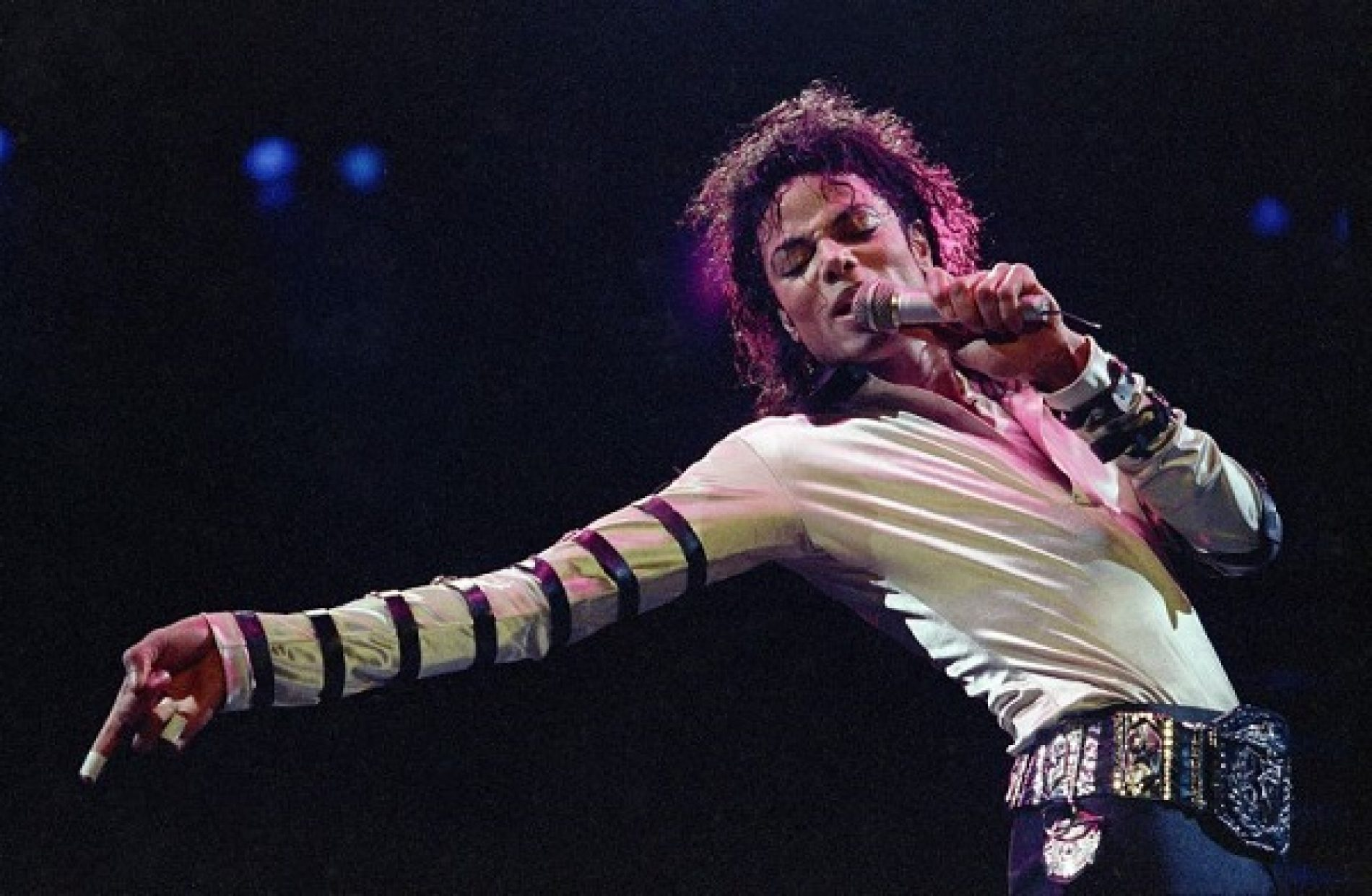 """Leaving Neverland: Michael Jackson accusers say they struggled with the """"Am I Gay?"""" question in new interview"""