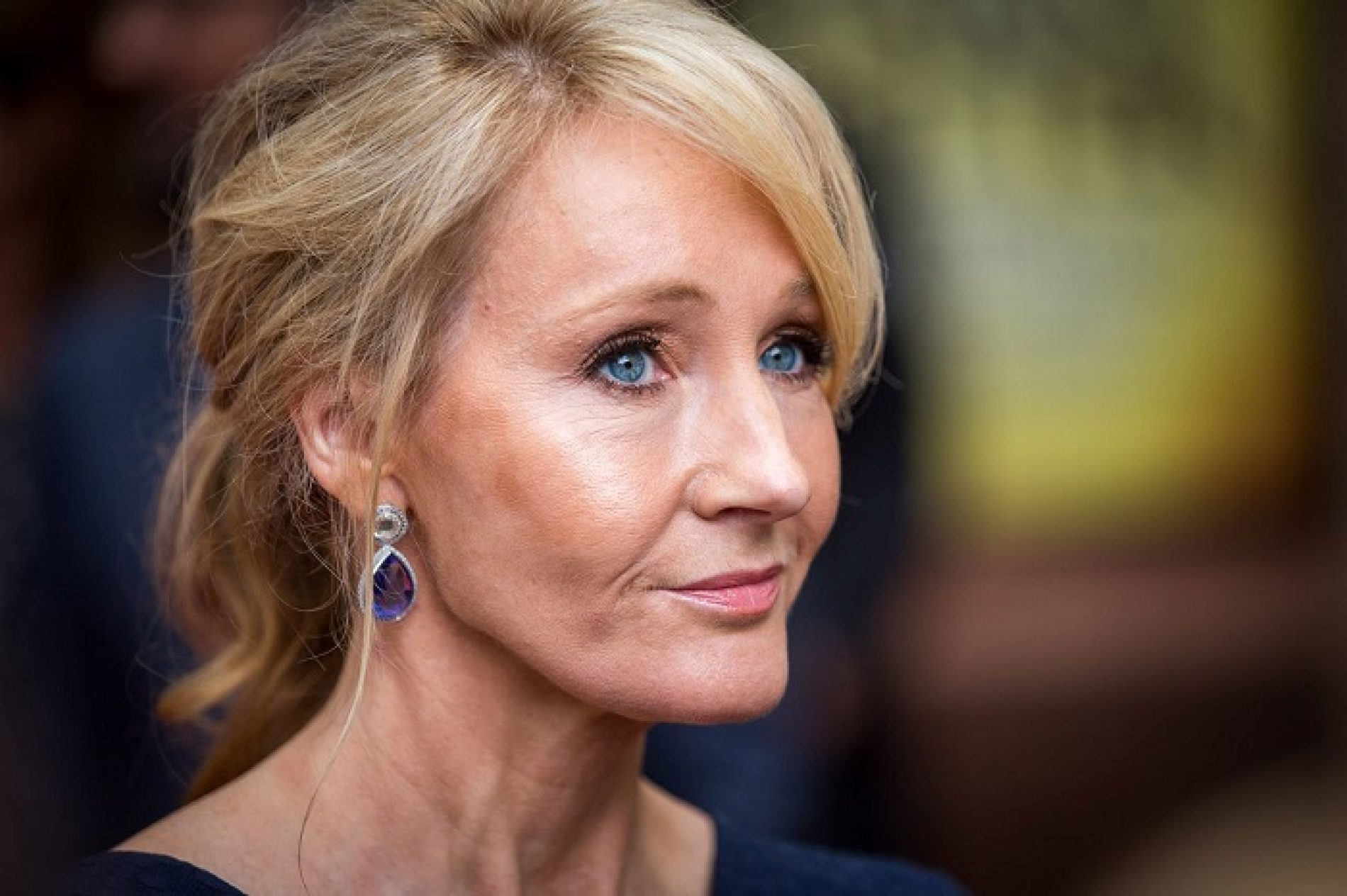 Harry Potter Fans mock JK Rowling's latest insistence that Dumbledore is gay
