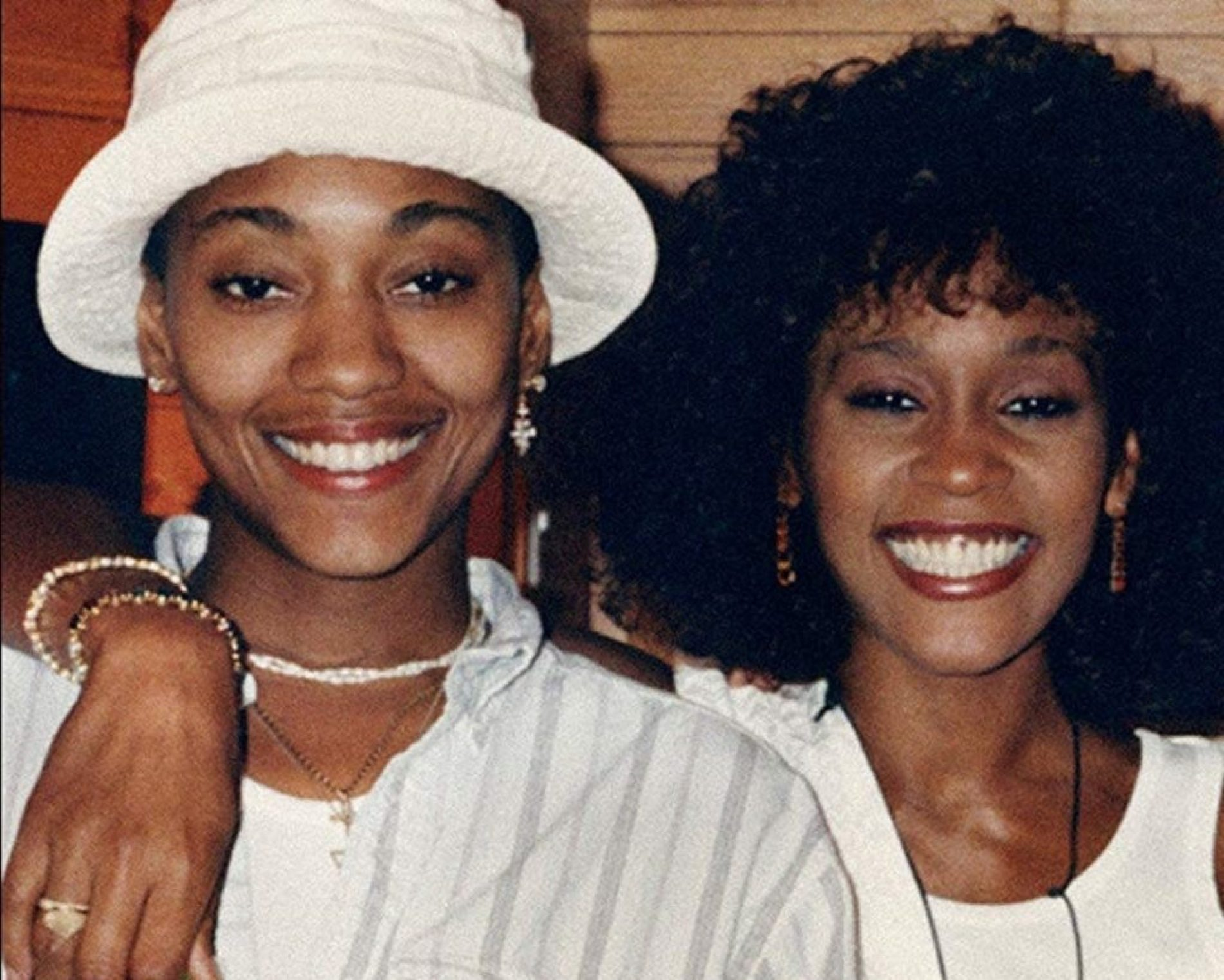 Whitney Houston's 'Girlfriend', Robyn Crawford, Finally Opens Up About Their Relationship