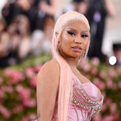 "Nicki Minaj comes out as Straight, raps that she ""Used to Be Bi but Now I'm Hetero"""