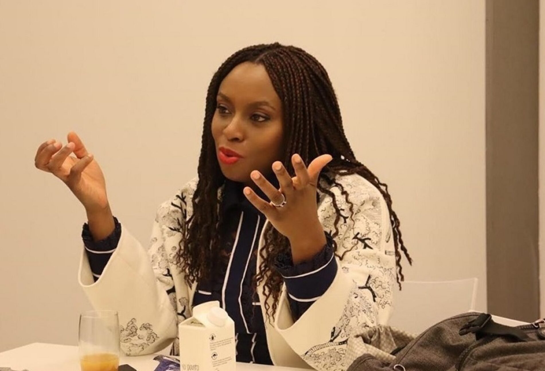 """""""I'm Looking At My Bag Of Fucks To Give And It's So Empty Now."""" Chimamanda Ngozi Adichie Is A Whole Mood In Her BlackBox Interview"""